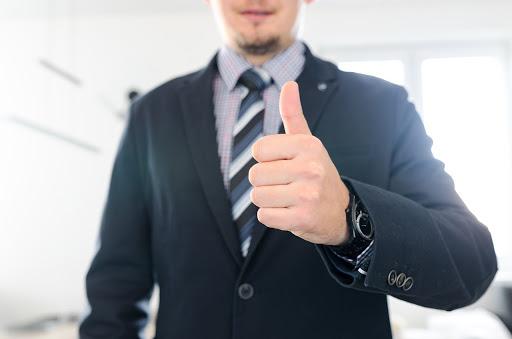 A vezetői kompetenciák mellett a jó vezető számos fontos személyes tulajdonsággal is rendelkezik.