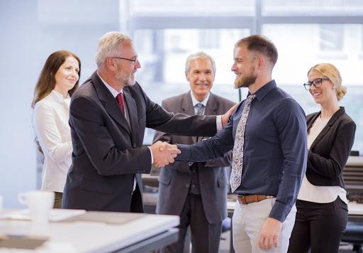 A vezetői készségek és a vezetői kompetenciák nem pontosan ugyanazt jelentik.